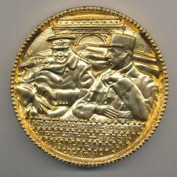Médaille - De Gaulle et Churchill - Amitié franco anglaise - De Jaeger 110mm - bronze doré à l'or pur