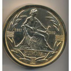 Spectaculaire Presse Papier - Écu Europa 1982 - bronze doré - 800g