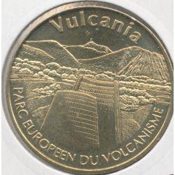 Dept63 - Vulcania N°2 - 2010 - le cone et la chaine des puys