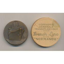 Médaille - Paquebot Normandie SD 1935 avec boite - Compagnie générale transatlantique - french line - 51mm
